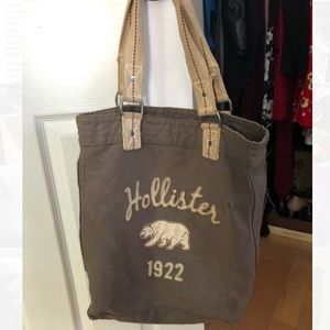 Hollister over the shoulder bag! Stylish & useful